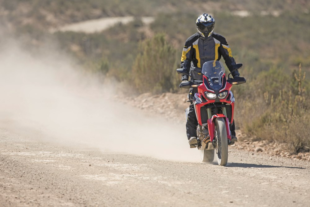 HondaCRF1000L_AfricaTwin_YM16_1272A