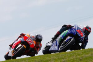 25-maverick-vinales-esp-93-marc-marquez-esp-2017-action-australia-motogp-phillip-island-pre-season-test16900_test2017_action.gallery_full_top_lg
