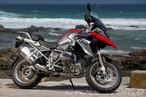 2013-BMW-R1200GS-right-side-red_011