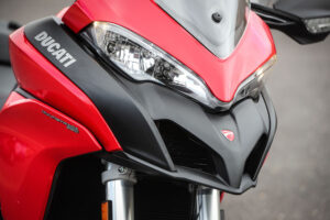 2017-ducati-multistrada-950-static_24