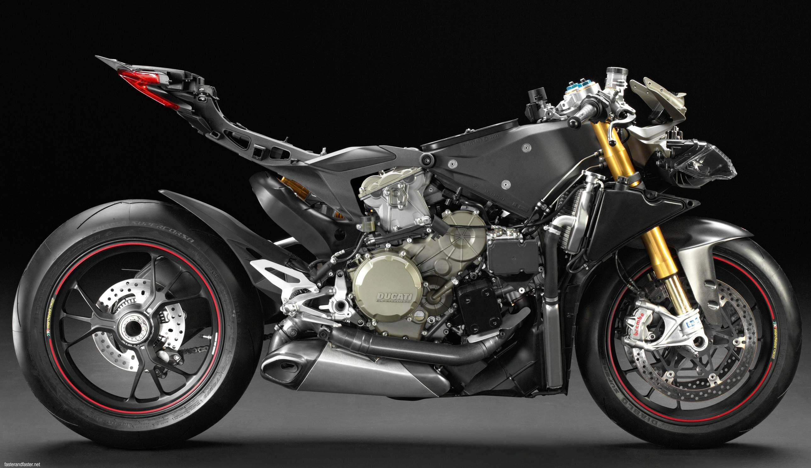 ducati-rumored-to-ditch-the-superquadro-engine-and-replace-it-with-a-motogp-derived-v4-99238_1
