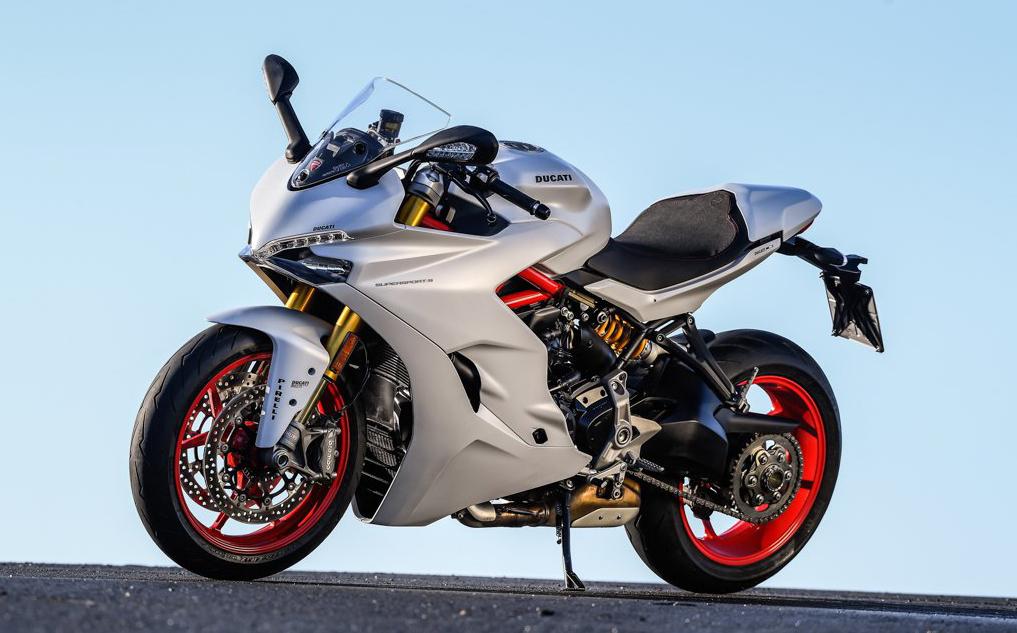 Ducati-Supersport-2017-02