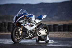 bmw-hp4-race-04-2017low13