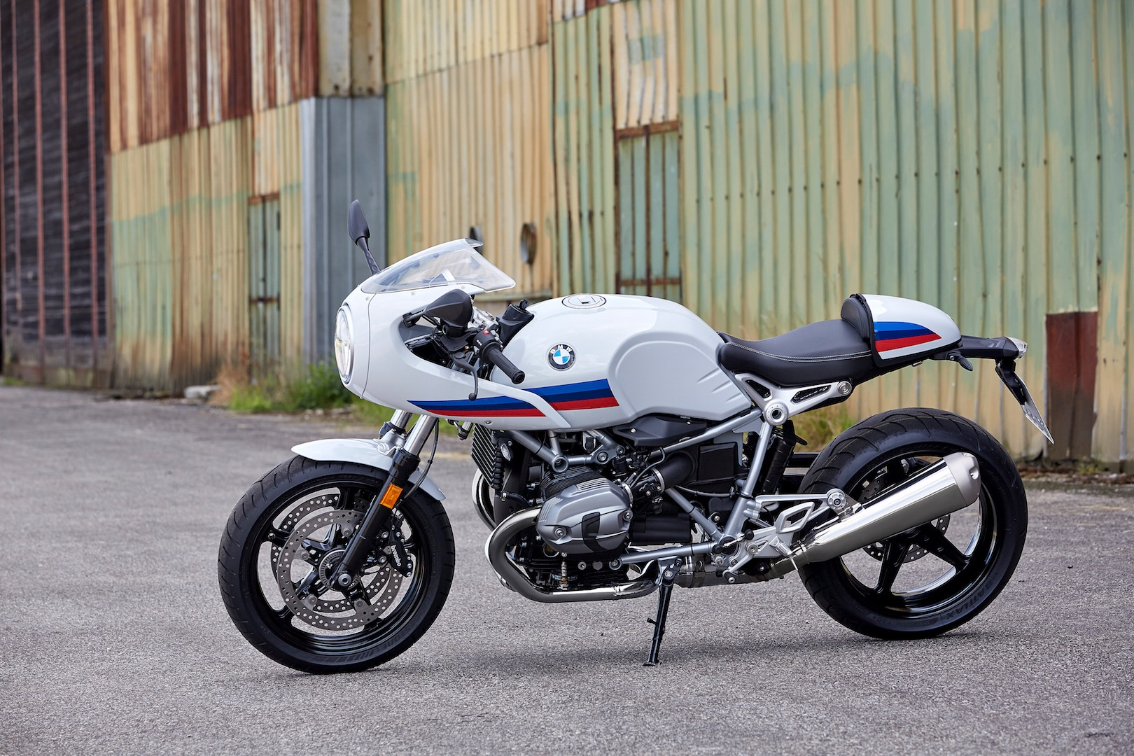 P90232634_highRes_the-new-bmw-r-ninet-