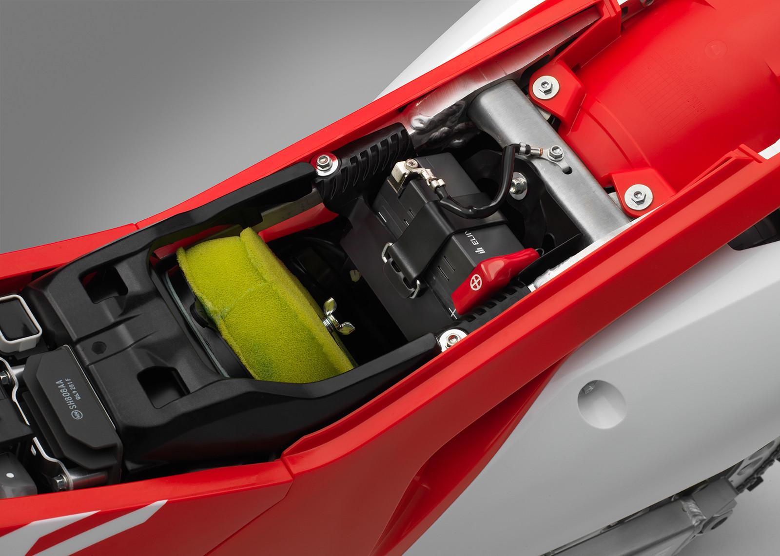 max_18_Honda_CRF450R_battery_airbox_691869