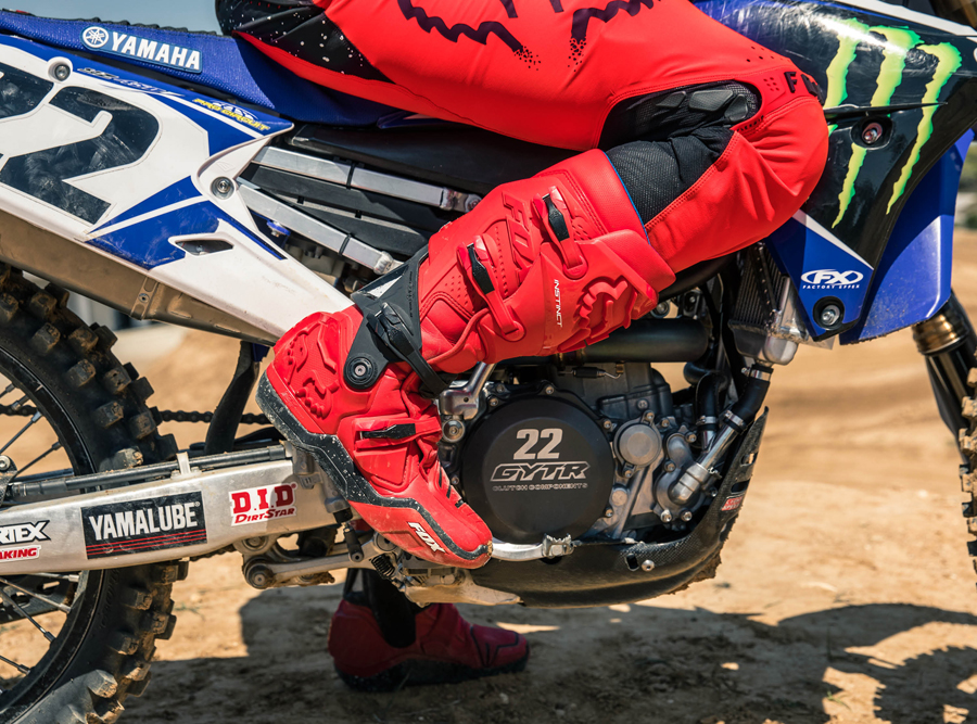 Red-Moth-LE-Boots-on-Bike