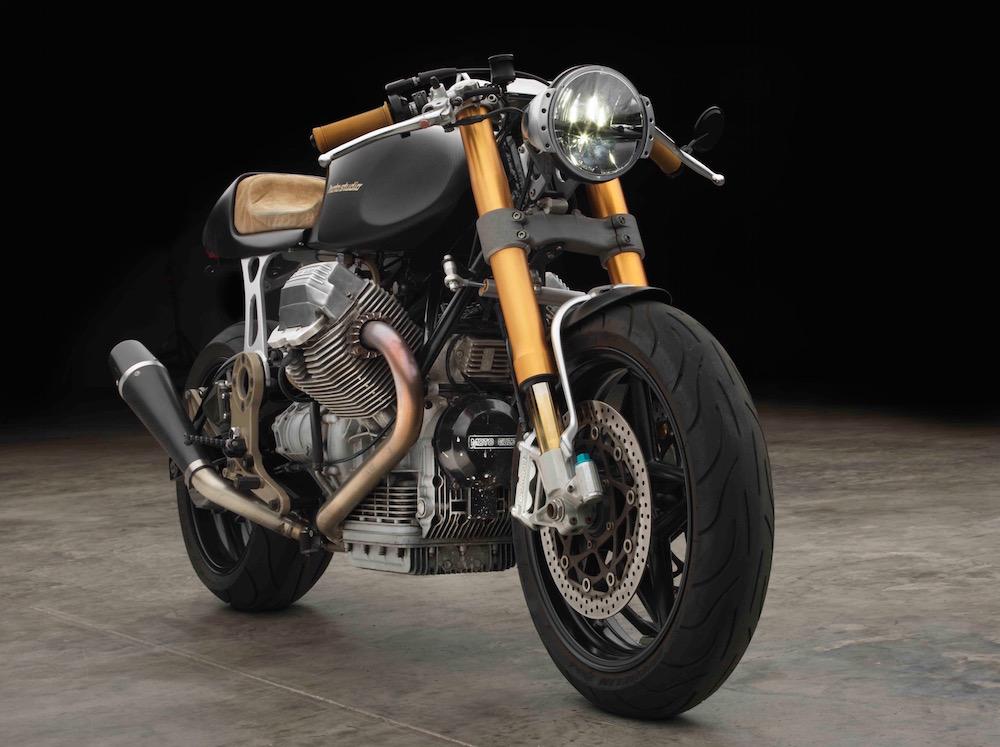 d85752dcf67 A equipa do Moto Studio tinha precisamente no seu espaço uma Moto Guzzi  1100 Sport sobre a qual ao longo dos tempos tinham vindo a pensar  desenvolver um ...