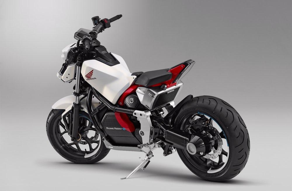 [Imagem: 2019-honda-motorcycles-riding-assist-e-e...cing-3.jpg]