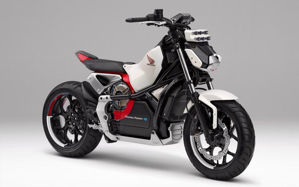 [Imagem: 2019-honda-motorcycles-riding-assist-e-e...cing-6.jpg]