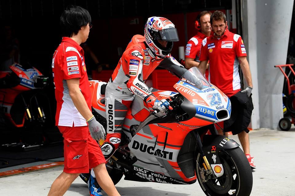 MotoGP: Casey Stoner afastado até setembro