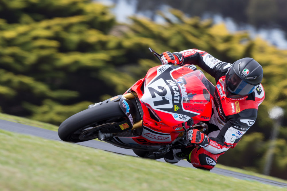 ASBK: Troy Bayliss mostra as garras no regresso