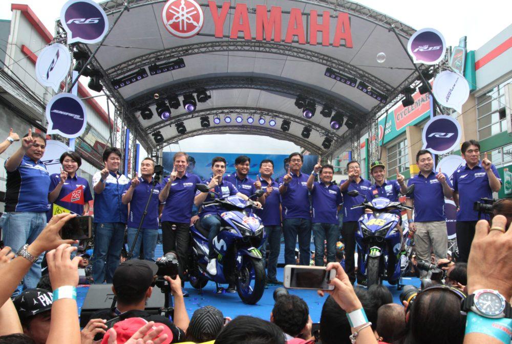 MotoGP, Vídeo: Valentino Rossi e Maverick Viñales recebidos em euforia nas Filipinas