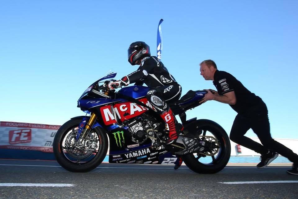 Superbikes Britânicas testam no AIA