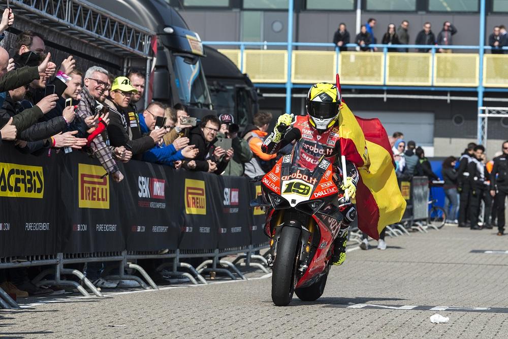 SBK: Álvaro Bautista assalta os cofres da Ducati