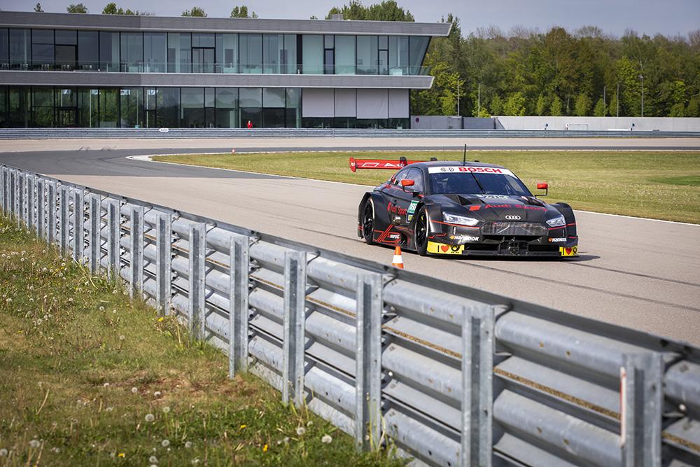 MotoGP: Andrea Dovizioso testou Audi do DTM