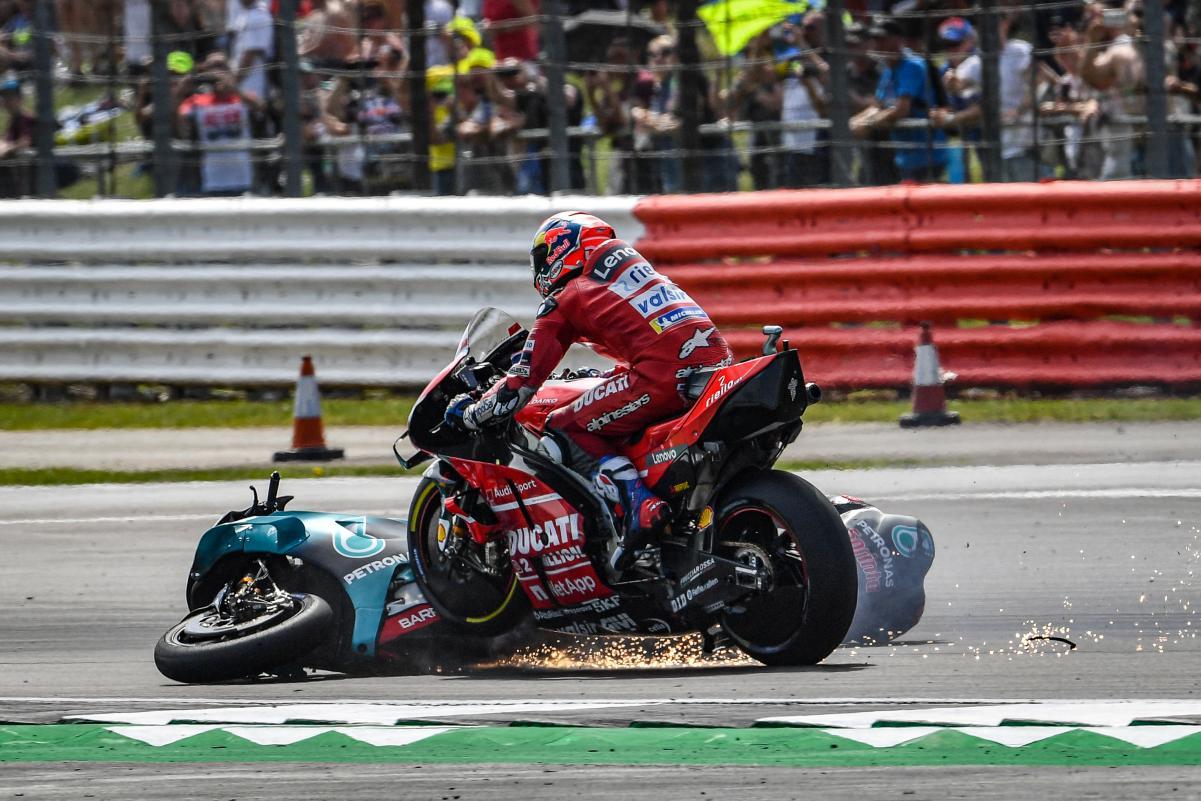 MotoGP: Tudo bem com Dovizioso após queda em Silverstone